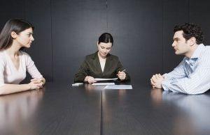 Hvordan ansøger du om børnehjælp under ægteskab og efter opsigelsen