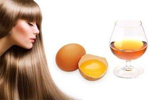 Effektive masker for hår fra eggeplomme og konjakk