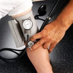 symptomer på unormalt lavt blodtryk