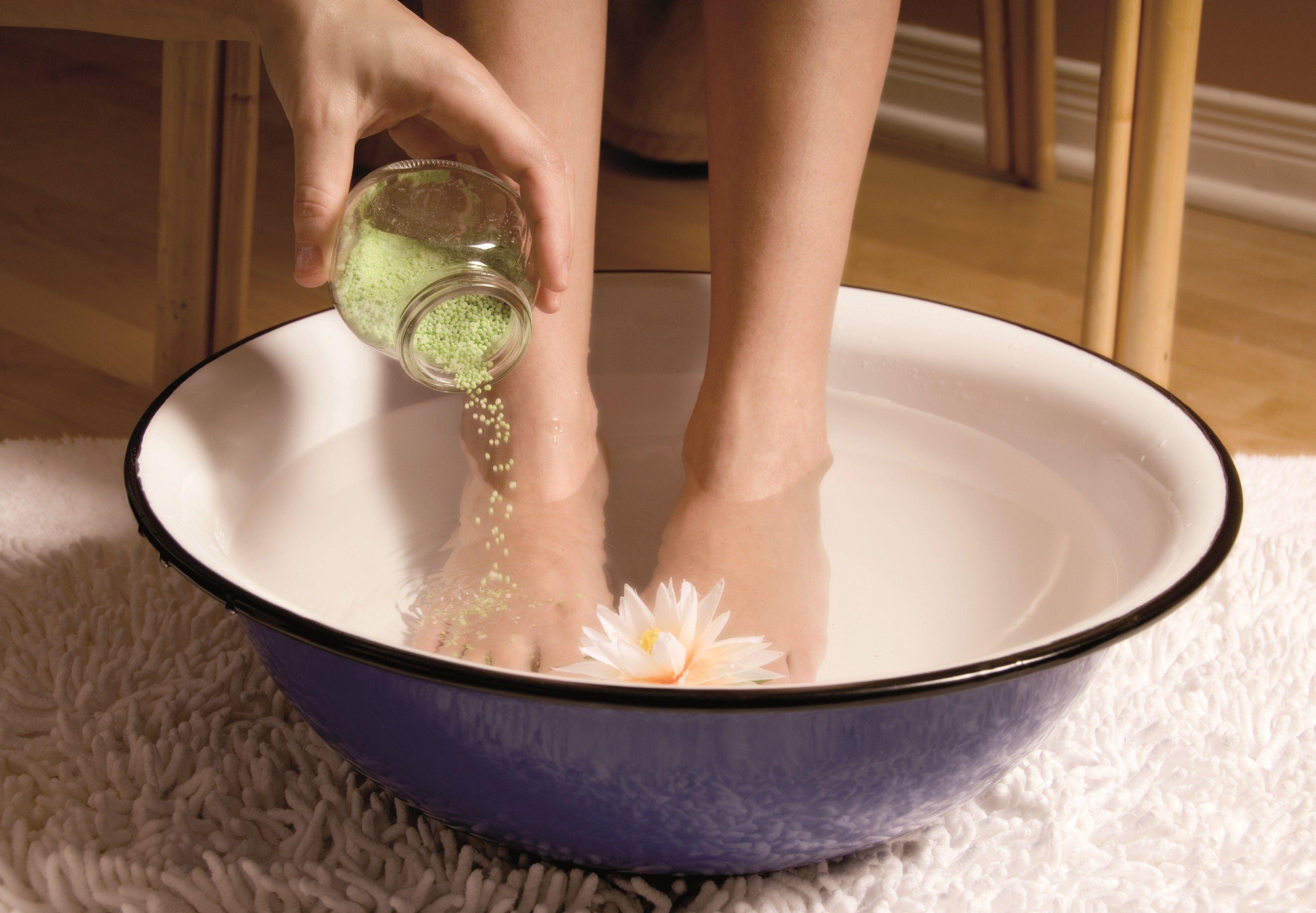 Как вывести грибок с ногтей на ногах в домашних условиях