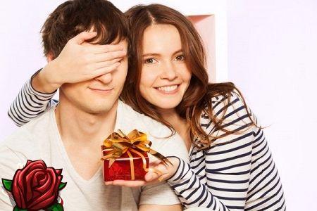 Mida anda mees Valentinepäevale: praktiline ja romantiline tervitus