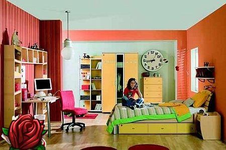 Moderne interiør i rommet til en tenåring