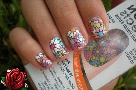 Ногти с наклейками фото