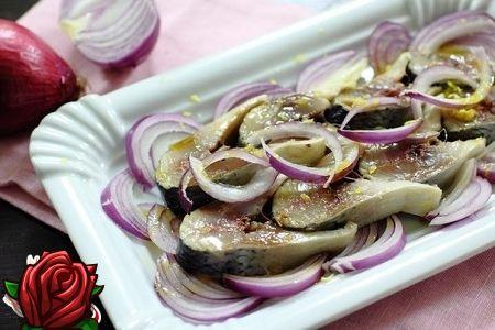 Heeringas kastmes heeringas - tavalise roogi pikantne maitse