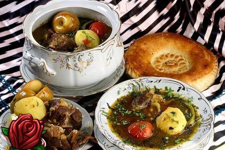 Shurpa fra lam: en god lunsj i den kalde årstiden