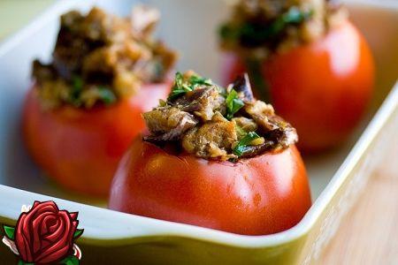 Soolatud tomatid, täidetud köögiviljad - delikatess, ja ainult!