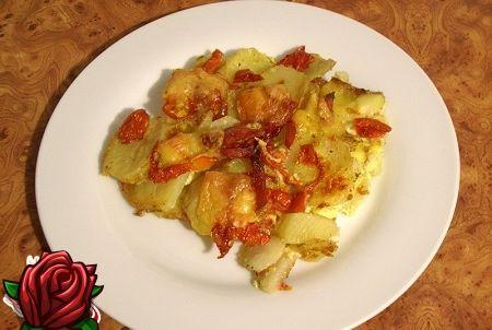 Küpsetatud kartul koos vorstiga - lemmiktoit ühes tassis